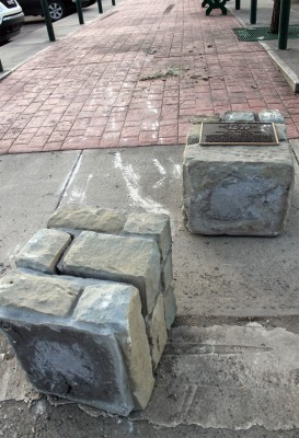 Craig monument