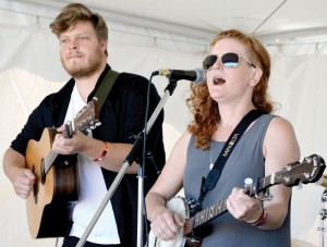 Jenny Ritter's melodies drew a large crowd to the East Stage Saturday.