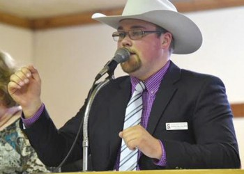 Fort Macleod auctioneer third in international competition at Calgary STampede