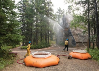 Fort Macleod and district residents respond to wildfire crisis at Waterton